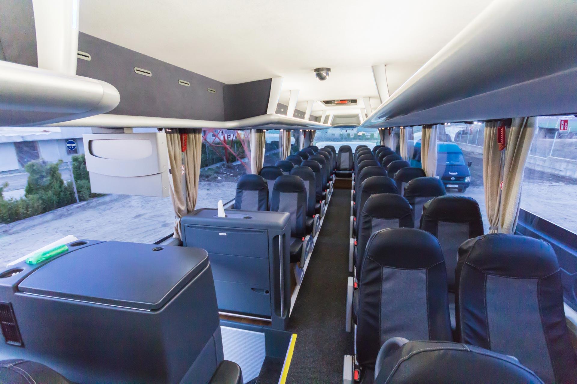 autobuz transport